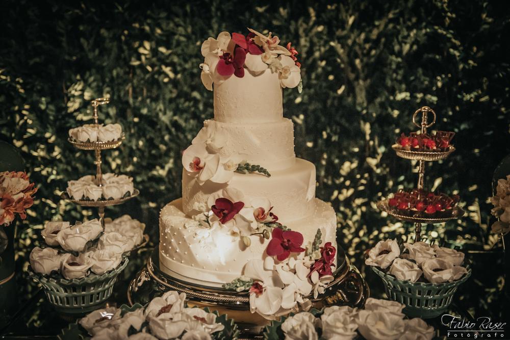 (36) Bolo de Casamento