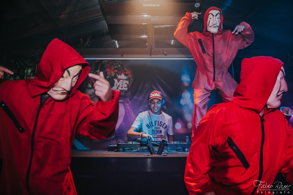 50 DJ Bola