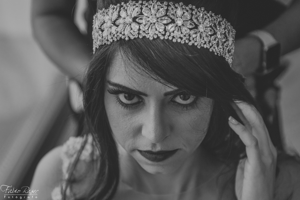 (14) Noiva