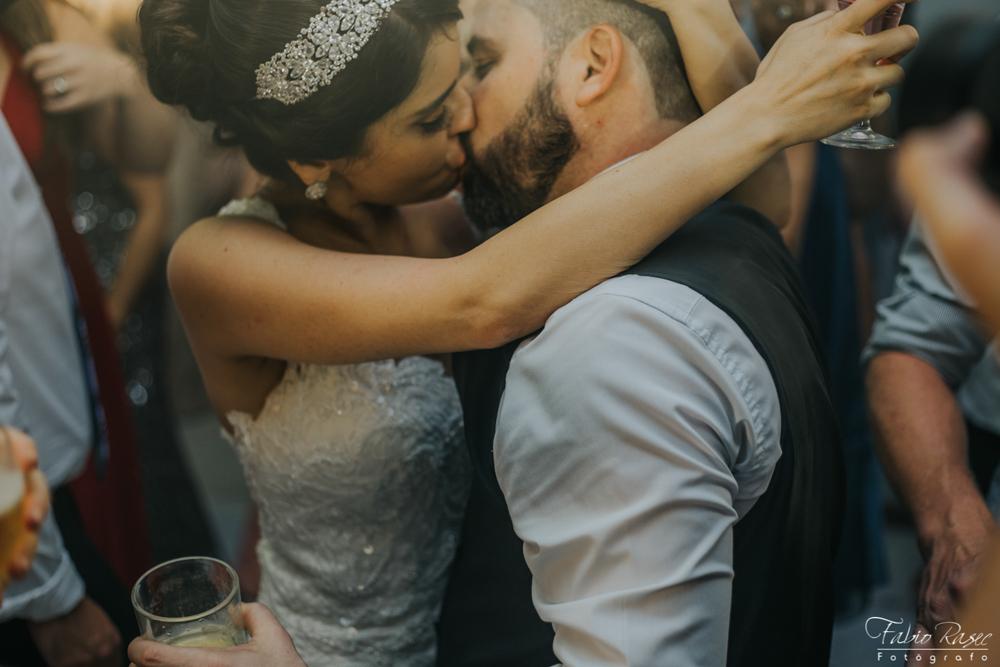 (56) Beijo Zuado Casamento